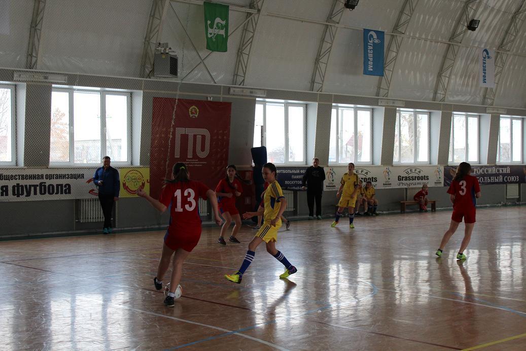 Футбольный турнир к празднованию 8 марта среди женских команд