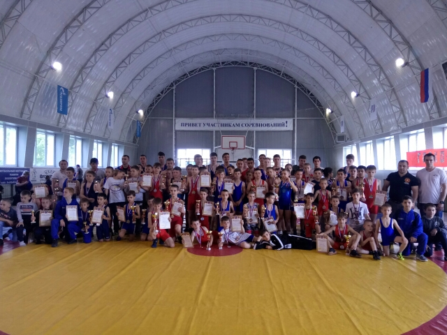IX областной турнир по греко-римской борьбе на призыГлавы Администрации Чертковского района